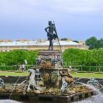 фонтан «Нептун» вернулся в Петергоф