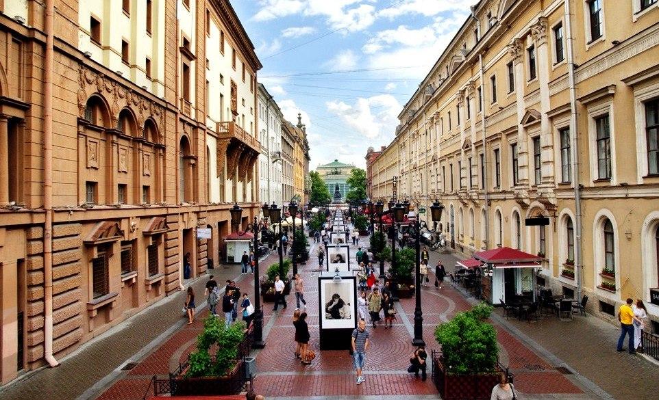 Самые романтичные улицы Санкт-Петербурга для прогулок