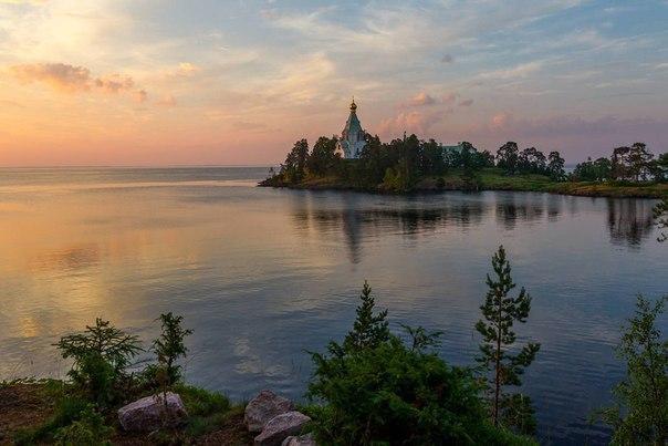 Красивые острова рядом с Санкт-Петербургом