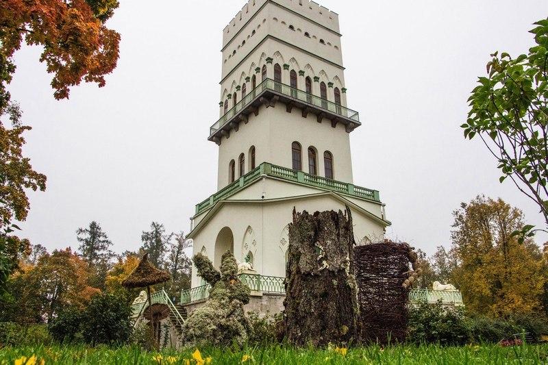 В Царском Селе появились скульптуры из «Алисы в Стране чудес»